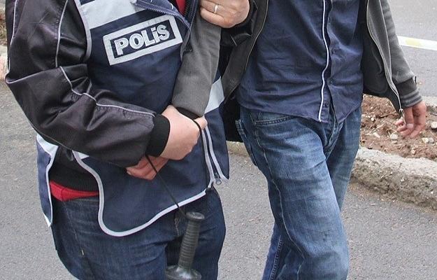 Bayrak olayında 4 kişi serbest 1 kişi gözaltında