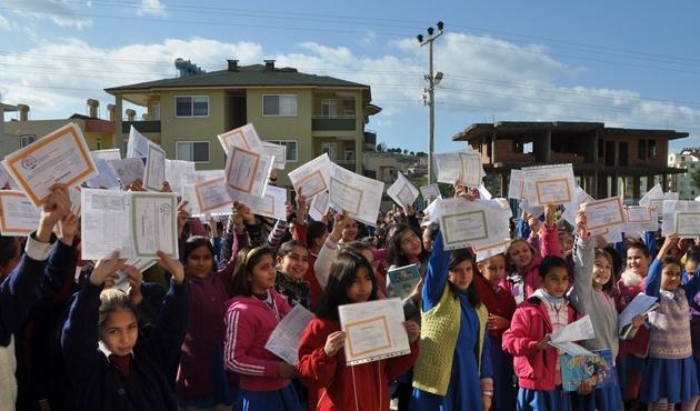 17 milyon öğrenci için karne günü