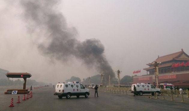 Çin üç Uygur'u idama mahkum etti