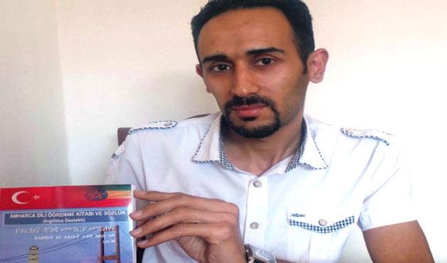 Türk işçi Etiyopya dilinde sözlük hazırladı