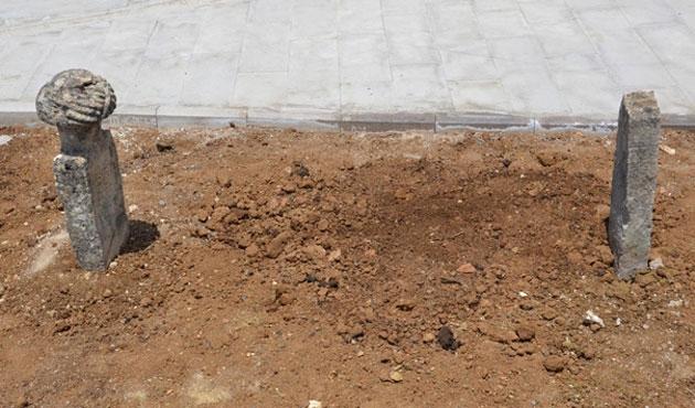 'Karacaoğlan'ın mezarı bulundu' iddiası