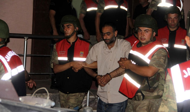 Yol kesmekten gözaltına alınan BDP'li başkan serbest