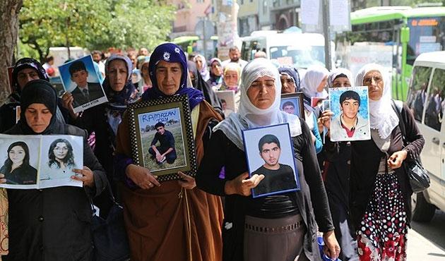 Eylemci anneler Ankara'dan umutla döndüler