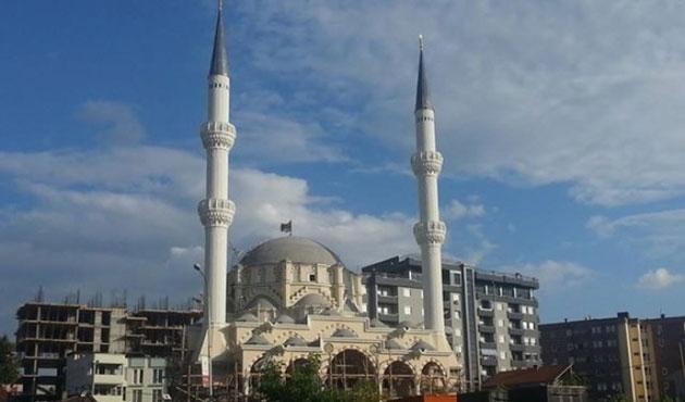 Kosova'nın en büyük camisi açıldı