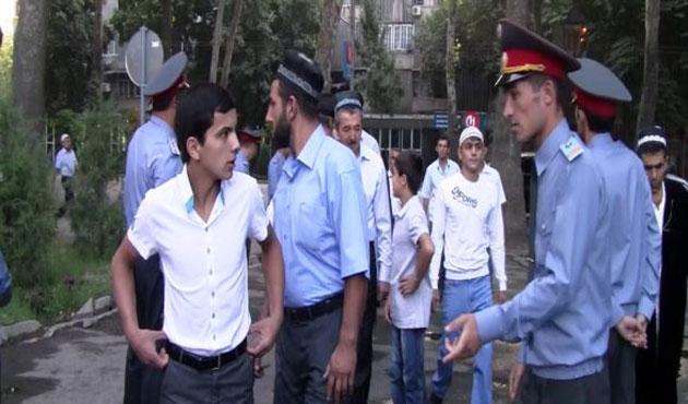 Tacikistan'da çocuklara cami halen yasak