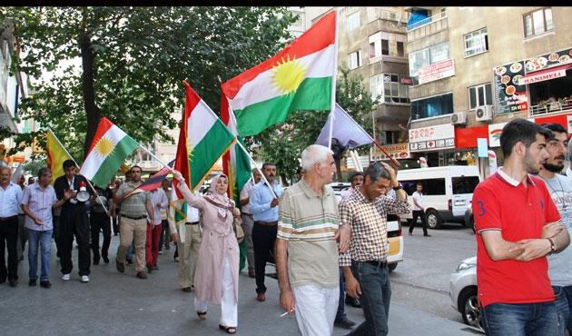 Diyarbakır'da Peşmergeye destek yürüyüşü