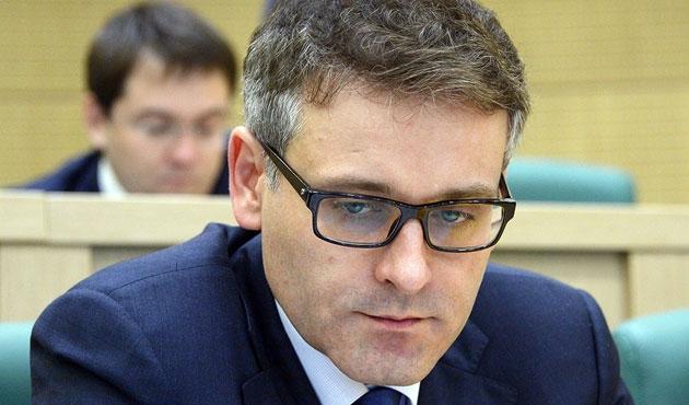Rusya'da ilk defa bir senatörün dokunulmazlığı kaldırıldı