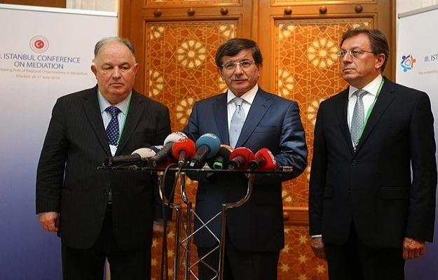 Bakan Davutoğlu: Büyük bir kriz kapımızda