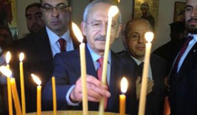 Kılıçdaroğlu, kilisede mum yaktı, dilek tuttu