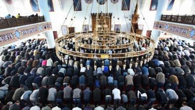 Almanya Milli Görüş: Ramazan hilalini gördük