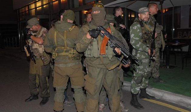 Donetsk'de dört AGİT gözlemcisi daha serbest