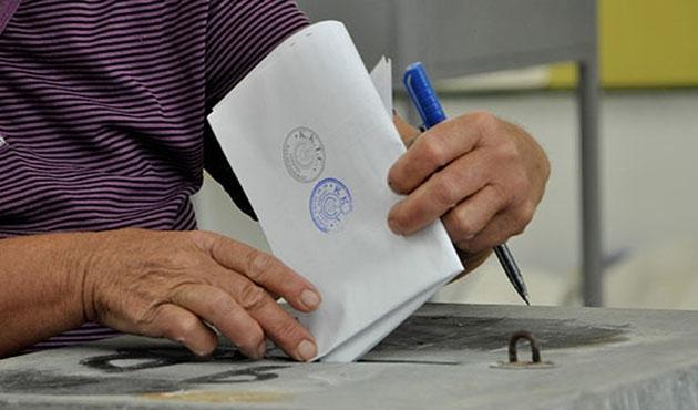 KKTC'de yerel seçim ve referandum günü