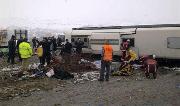 Ankara'da otobüs kazası: 1 ölü, 40 yaralı