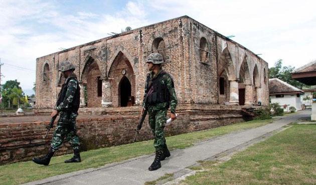 Patani, Ramazan'a silahlı saldırılarla girdi
