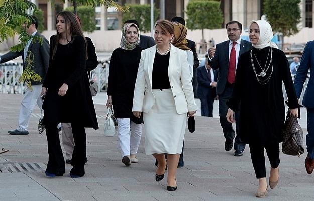 Erdoğan'dan milletvekili ve belediye başkanlarına iftar