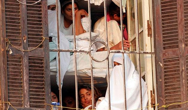 Mısır'da tutuklu kadınlara taciz işkencesi
