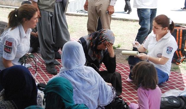 Oğlunu PKK'dan isteyen eylemci annelere İHH ziyareti