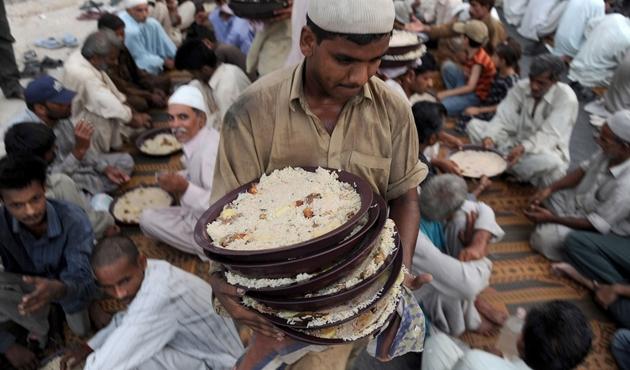 Vücuda oruç, ruha gıda; İngiltere'de Ramazan