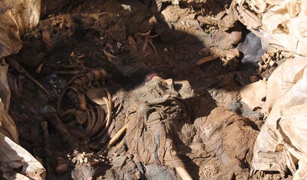 PKK'lı 12 kişinin cesedi aynı mezarda bulundu