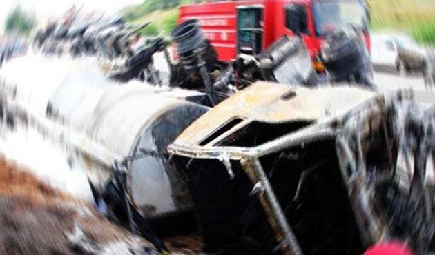 TEM otoyolunda kaza: Trafik kilitlendi