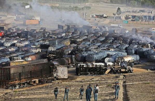Taliban Afganistan'da 400 tankeri yaktı
