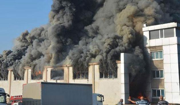 Çorlu'da kimya fabrikasında büyük yangın