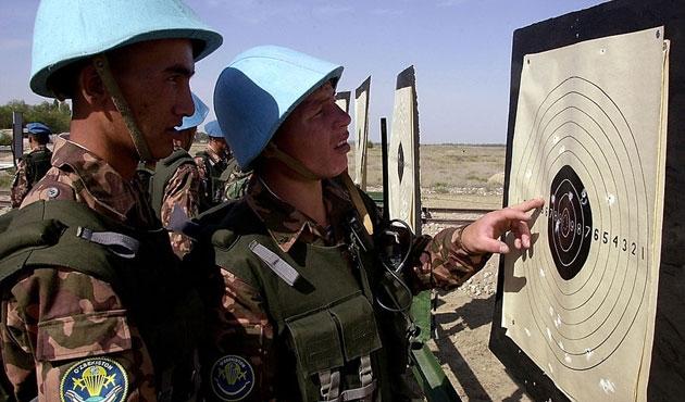 Özbek subayları Rusya eğitecek