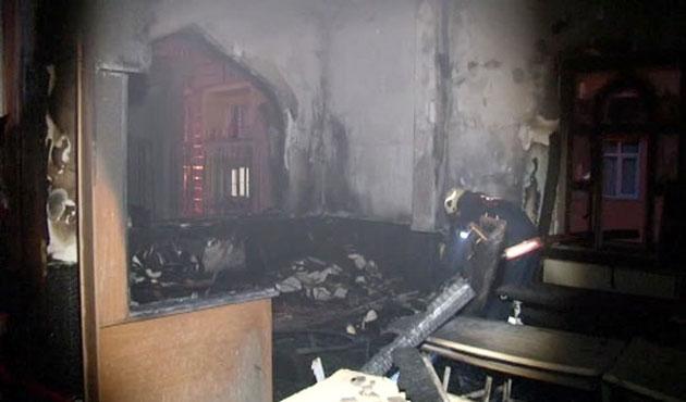Esenyurt'ta cami yangınında kundaklama şüphesi