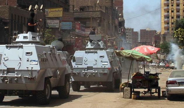 Kahire'deki eylemde iki darbe karşıtı öldü