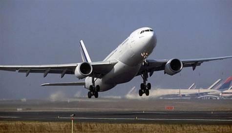 Diyarbakır'da uçağın motoru alev aldı