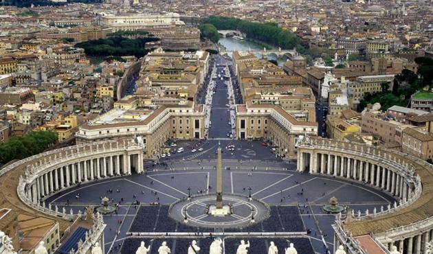 Vatikan'da ne oluyor ?