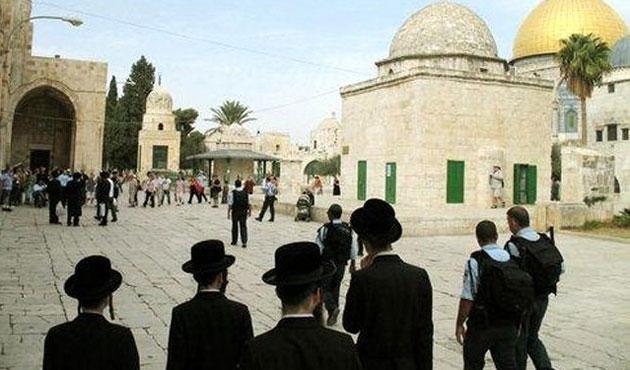 Mescid-i Aksa'da üç Filistinliye gözaltı