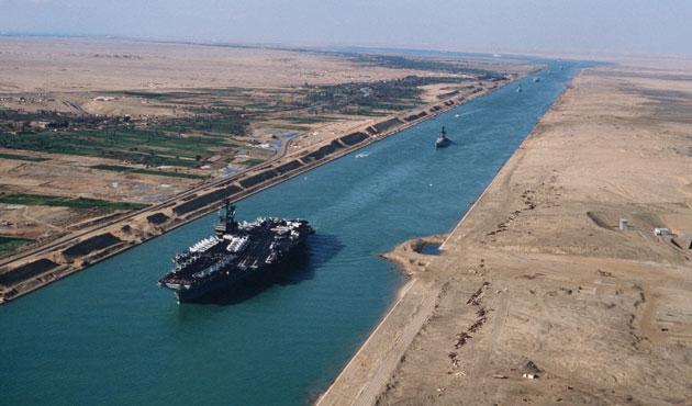 Ucuz petrol fiyatları Süveyş Kanalı'nı vurdu