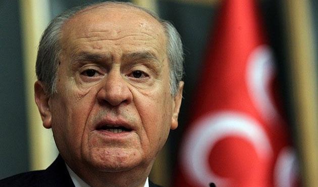 Bahçeli'den 'MHP sembollü provokatörler' uyarısı