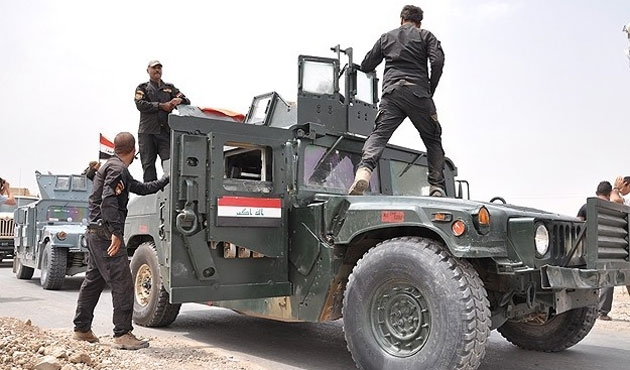 Merkel: Iraklı askerlere de eğitim verebiliriz