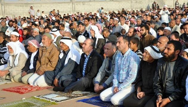 Çadır kentlerde bayram buruk karşılandı