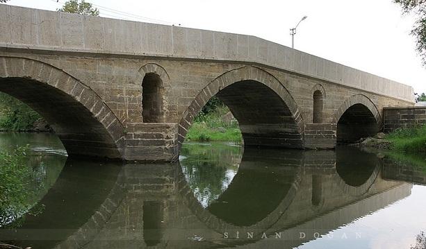 Edirne'nin tarihi köprüleri aydınlığa kavuşuyor