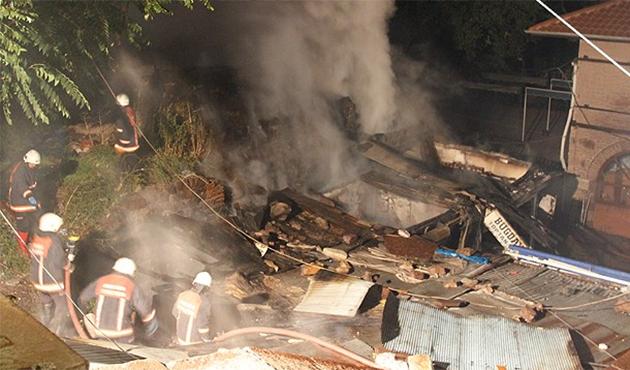Ankara'da 10 işyeri yandı