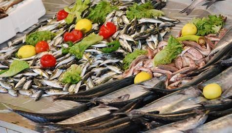 Balık fiyatları bayramda yarı yarıya düştü