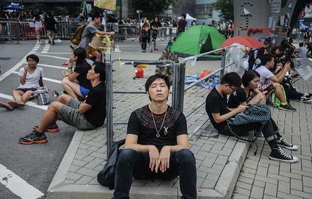 Hong Kong hükümeti öğrencilerle görüşecek