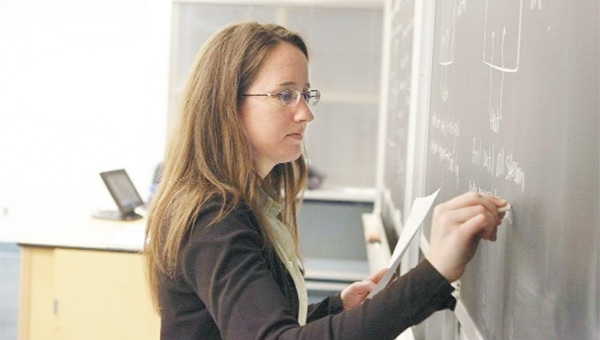 Atanamayan öğretmene yeni iş kapısı aralandı
