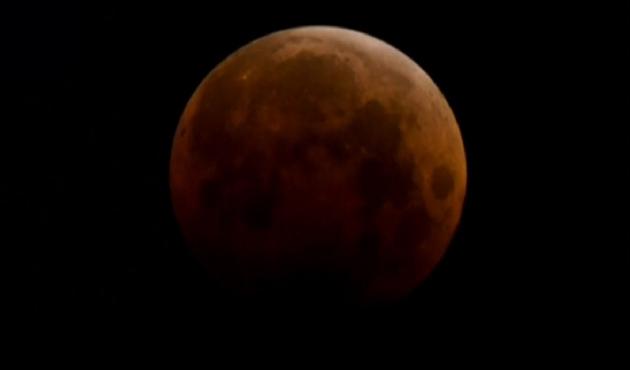 Kanlı ay tutulması gerçekleşti  VİDEO