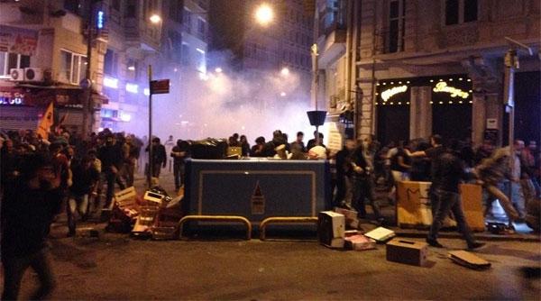 İstanbul'da olaylar: 30 yaralı, 98 gözaltı