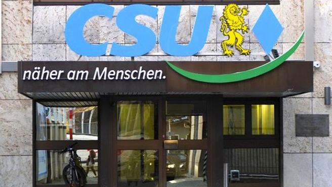 PKK'lılar Almanya'da parti binasını bastı