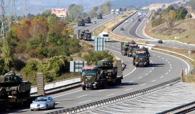 Batıdan Suriye sınırına tank sevkiyatı