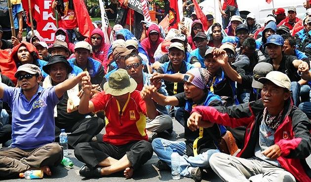 Endonezya'da 'benzin zammı' protestoları