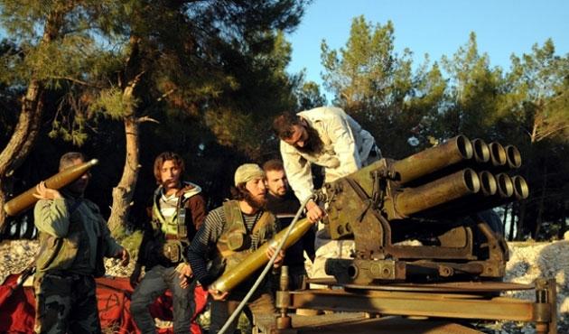 Suriye ordusu Halep'e doğru ilerliyor