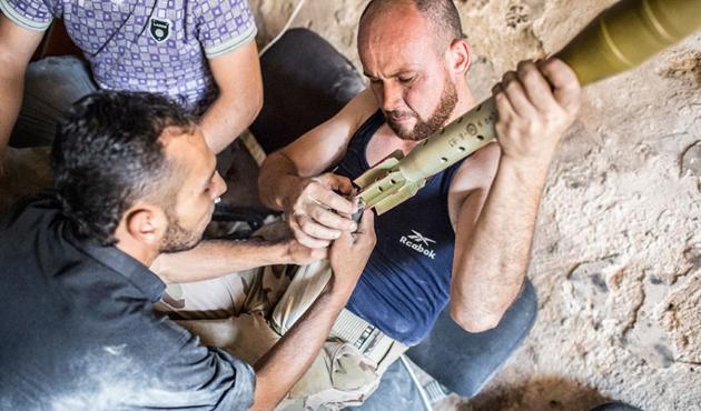 Suriyeli muhalifler Batı'nın 'prosedür'üyle savaşıyor!