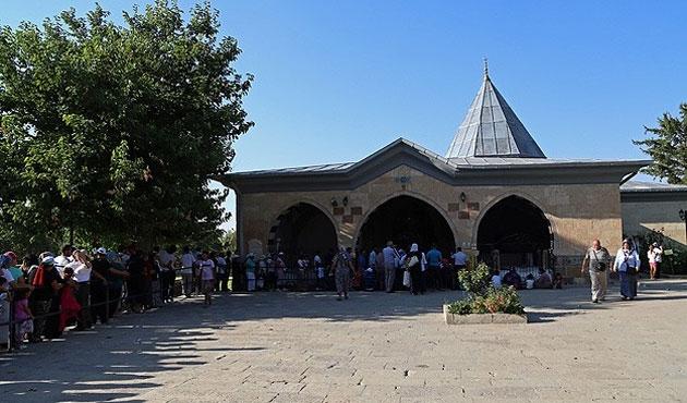 Mevlana ve Hacı Bektaş türbelerine giriş ücretsiz olacak