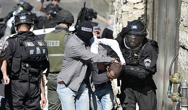 İsrail, 1 Filistinliyi yaraladı 8'ini gözaltına aldı